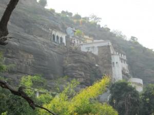 Temples_in_Hanuman_Dhara