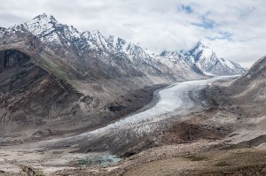 800px-Drang_Drung_glacier_seen_from_Pensi_La_pass