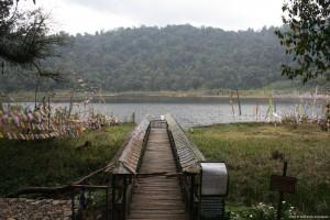 Foot_bridge_to_Khecheolpalri_Lake