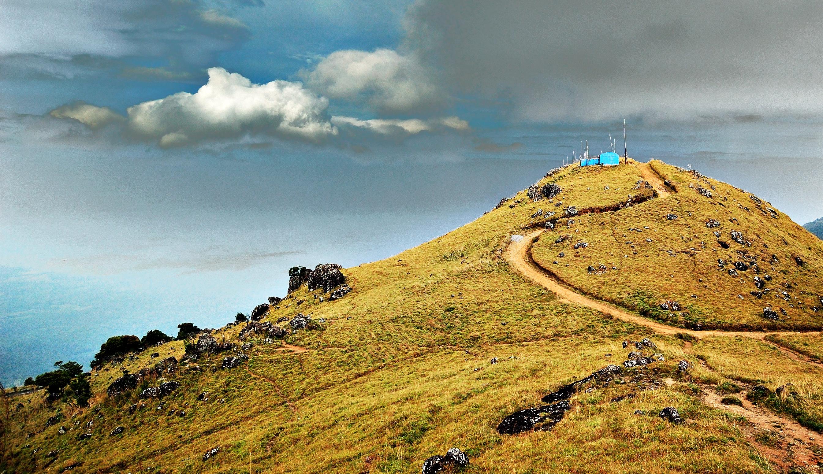Ponmudi_Hills_Trivandrum