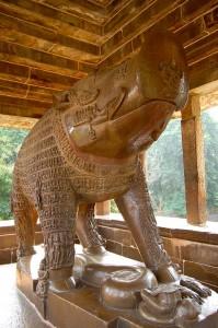 681px-Varaha_Sculpture_-_Khajuraho
