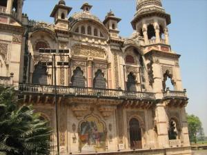 Indian_royal_palace_laxmi_vilas