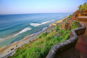 Varkala_beach_-_cliff_view