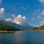 Mattupetty_Dam_reservoir,_near_Munnar,_Kerala