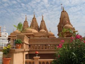 1280px-Shri_Swami_Narayan_Temple_Tithal