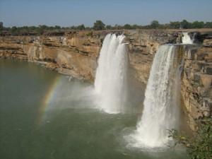 Chitrakoot_Falls,_Jagdalpur,_Chattisgarh