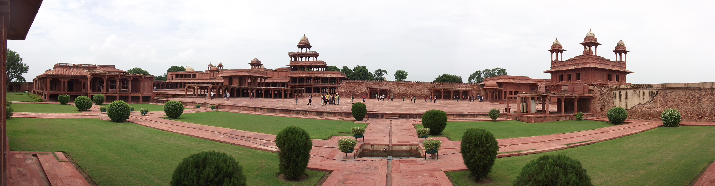 Panoramic_vie_of_Fahpur_Sikri_Palace