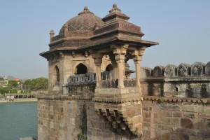 Balcony_at_Sher_Shah_Suri_Tomb